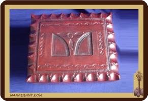 boite à bijoux ou autre recouverte de cuir touareg ref 174GR