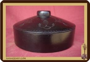 boite à bijoux ou autre recouverte de cuir touareg ref 300A