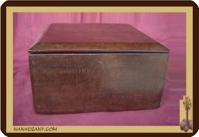 boite à bijoux ou autre recouverte de cuir touareg ref 319