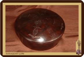 boite à bijoux ou autre recouverte de cuir touareg ref 107GM