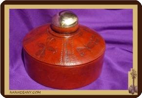 boite à bijoux en cuir touareg  ref : 300GRB