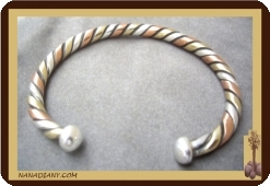 Bracelet africain  (trois métaux) argent/bronze/cuivre Ref 2700